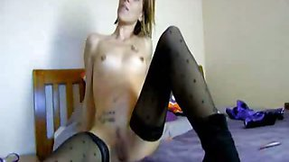 Attractive emo loves playing with her tight body
