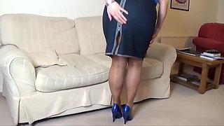 Joanne Legs1