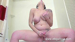 Rilie Waters is pregnant hot and horny