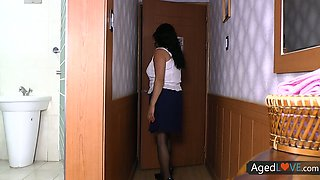 Torrid and rapacious brunette older woman wanna be fucked missionary