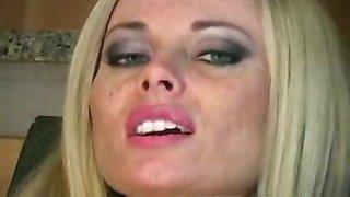 Anita Dark offers teasing jerkoff instruction