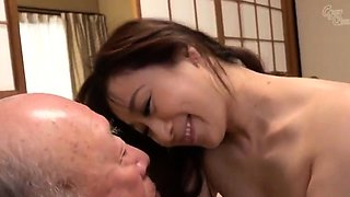 German Amateur PrettyNina fucks hardcore with young User