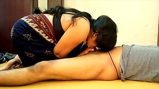 Indian Big Boobs Saari Girl Blowjob and Eating BF Cum