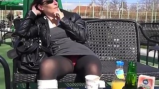 Exhibitionist brunette gal upskirt