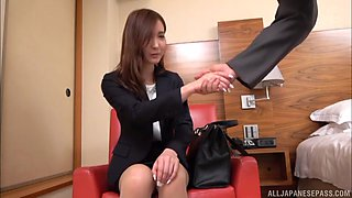 Horny secretary lets a guy examine her stunning curves