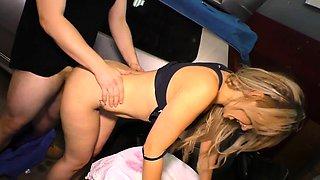 HAUSFRAU FICKEN - German housewife gets fucked in the garage