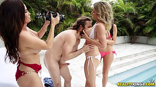Milf Diamond Foxx being a part of awesome outdoor group banging