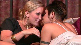 Lesbian Daydreams pussy licking