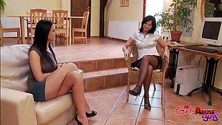 Video of naughty girlfriend Katie Cox fucking her BF with Renata Black