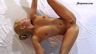 Flexible Blonde Slava Andreykina