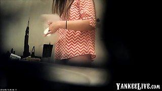 HD Toilet Hidden cam - sexy girl caught wiping her butt