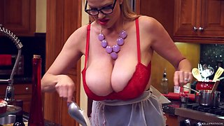 Kitchen sex session with alluring blonde vixen Kelly Madison