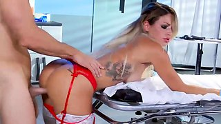 Kinky big breasts blond nurse pounded in the hospital