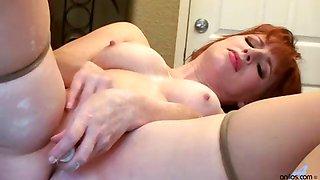 Lonely redhead pinup milf kitchen orgasm