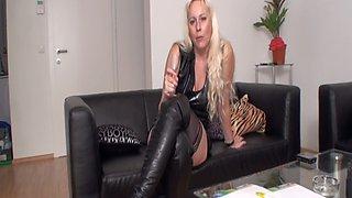 Money Mistress dominate financial