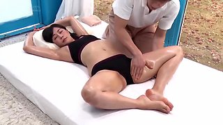 Japanese masseur seduce and fuck clients