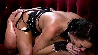 curvy brunette deepthrots cock then drilled doggystyle in hot sex