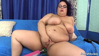 Chubby Slut Simone Debu vs Fuck Machine
