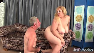 Perfect Natural Milkers Amazon Darjeeling Spreads Her Chubby Ass for Cock