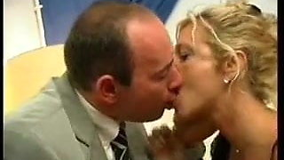 Hot Kissing GERMAN MILF