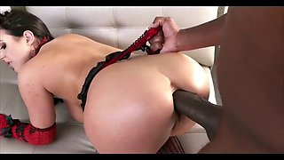 Ayntritli busty takes bbc in her juicy ass