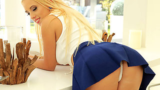 Brazzers – Dripping for Daddy's Best Friend