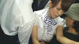 Hitomi drilled on the bus (censored)