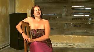 Bella Rossi Gets Tied And Fucked