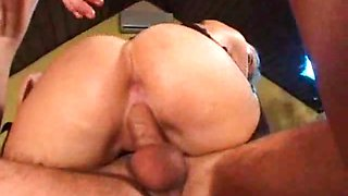 Sinfully lesbians getting double penetrated in a foursome