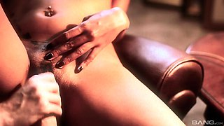 Only one thing satisfies Kiesha Kane, and that is sucking a cock