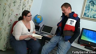Student bangs his plump teacher