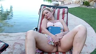 dude fucks summer day right next to his sleeping mature gf outdoors