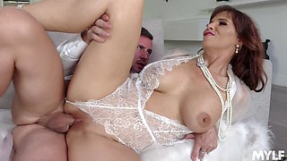 Old fashioned cougar Syren De Mer gets intimate with young gigolo